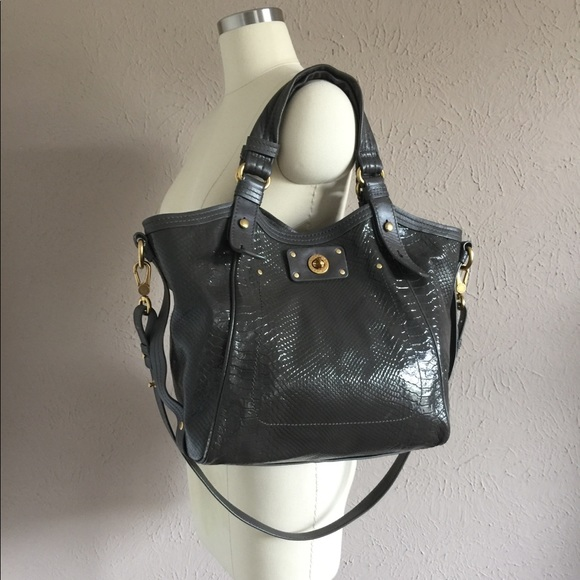 6b169b98933e Marc Jacobs Python Leather Gray Tote Bag. M 5b046634caab440b5c42538e